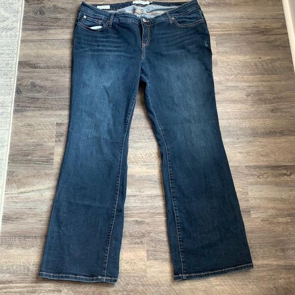 Torrid Jeans Sz 18 plus size Relaxed Boot Cut